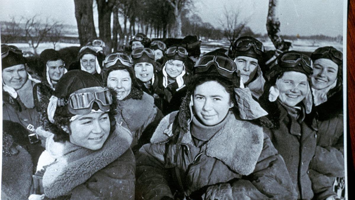 صورة لطيارات بفرقة ساحرات الليل السوفيتية