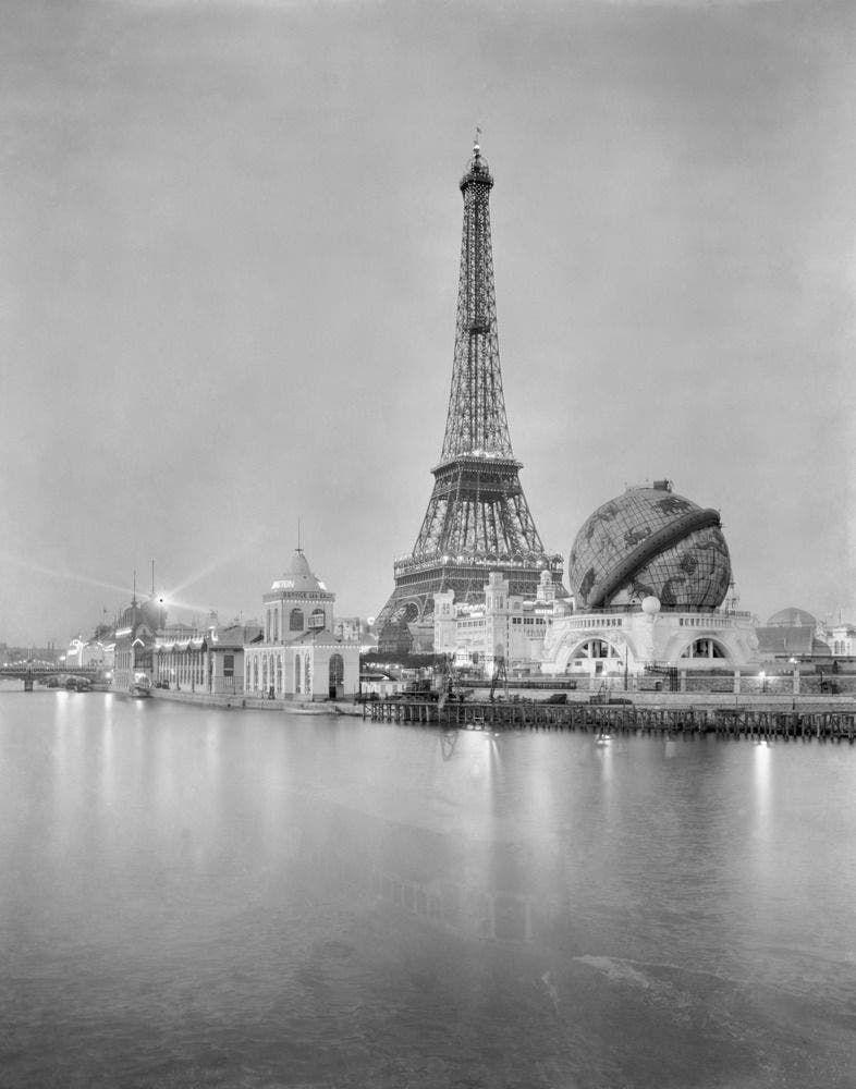 باريس عام 1900