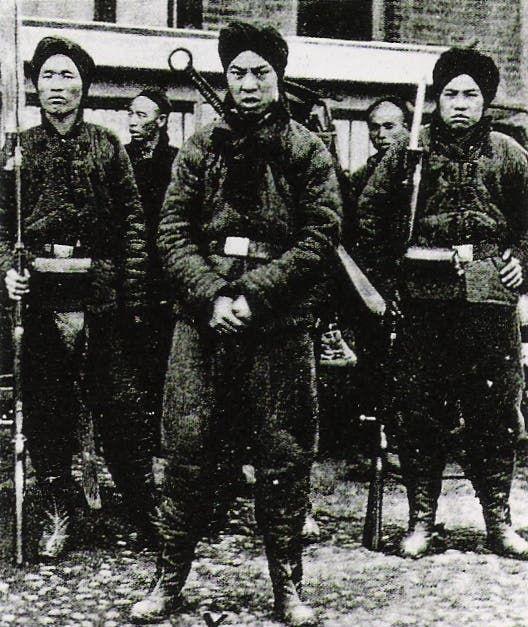 جنود صينيون خلال انتفاضة الملاكمين