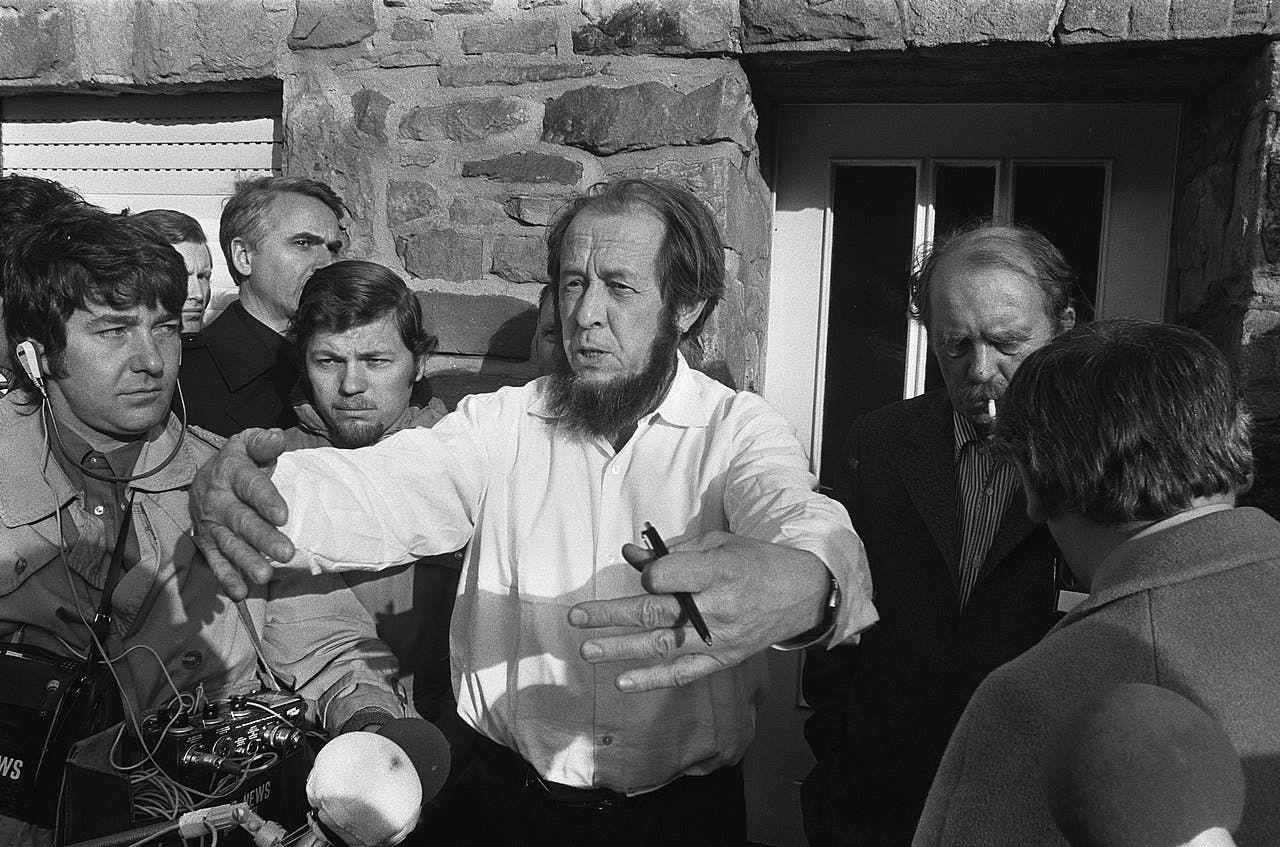 ألكسندر سولجنيتسين بألمانيا الغربية سنة 1974