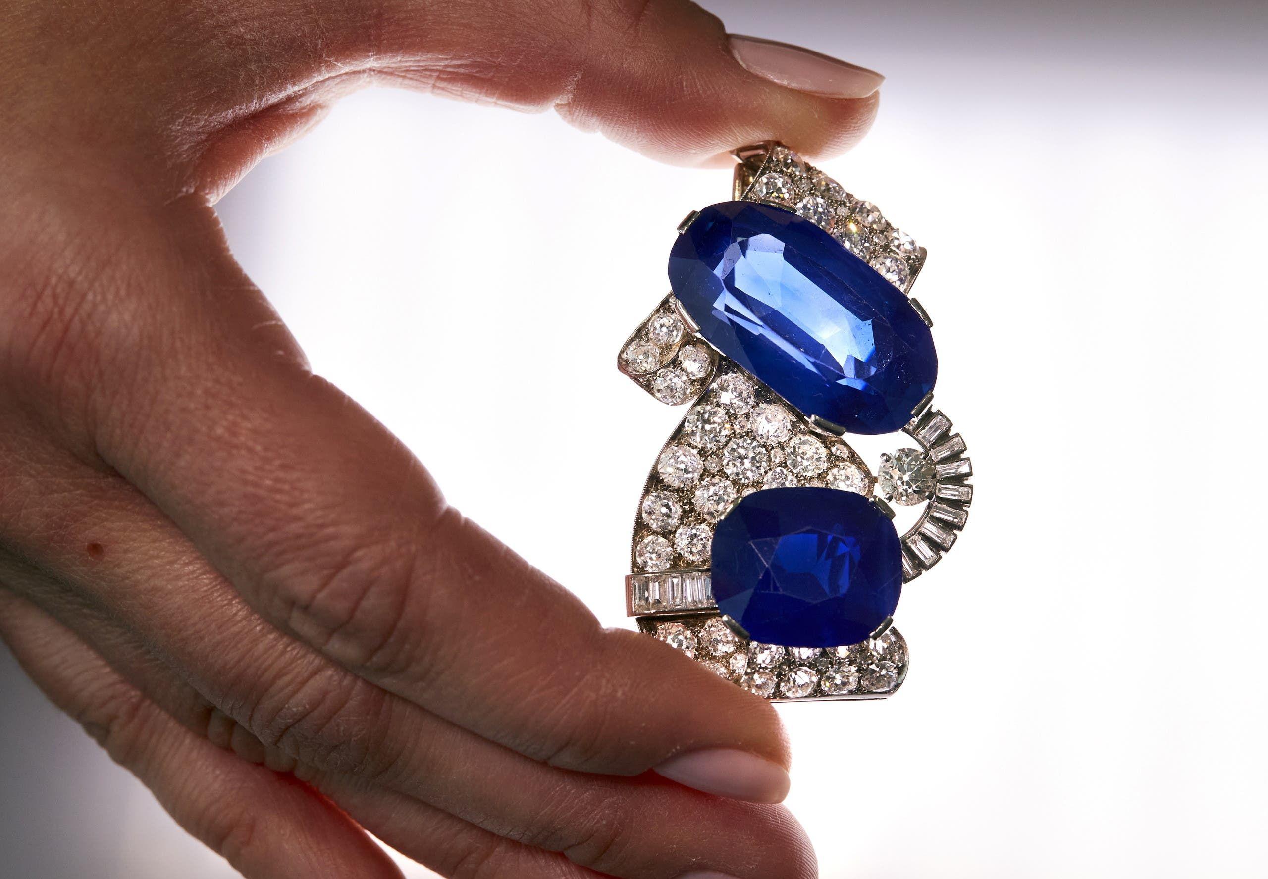 قطعة الياقوت الأزرق الكشميري