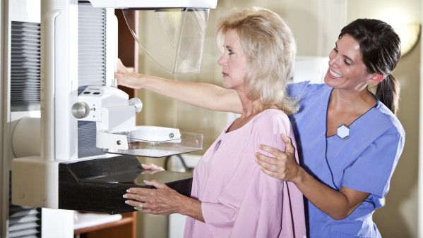 85593_-mammogram-older-woman-iStock-170094884.jpg_4628e4fa-12d2-4109-a40e-4b925a7d67db