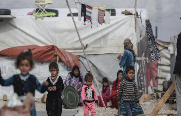 النازحون مستعدون لتنفيذ قرار هدم المخيمات الإسمنتية
