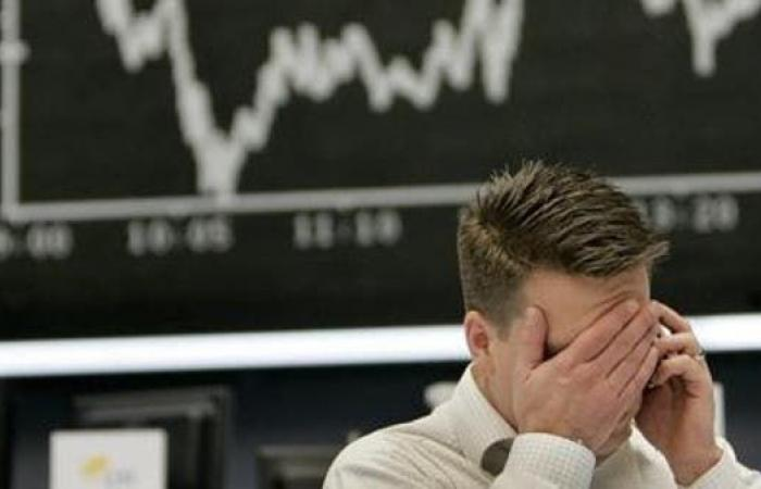"""هل ينذر تهافت المستثمرين على السندات ببدء """"نفق"""" الركود؟"""