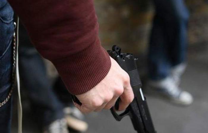 """سوق السلاح """"شغّال""""… وتحت أعين الأجهزة الأمنية"""