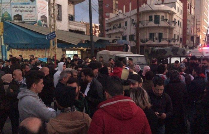 """مسيرة في صيدا رفضًا لـ """"حكومة المحاصصة"""""""