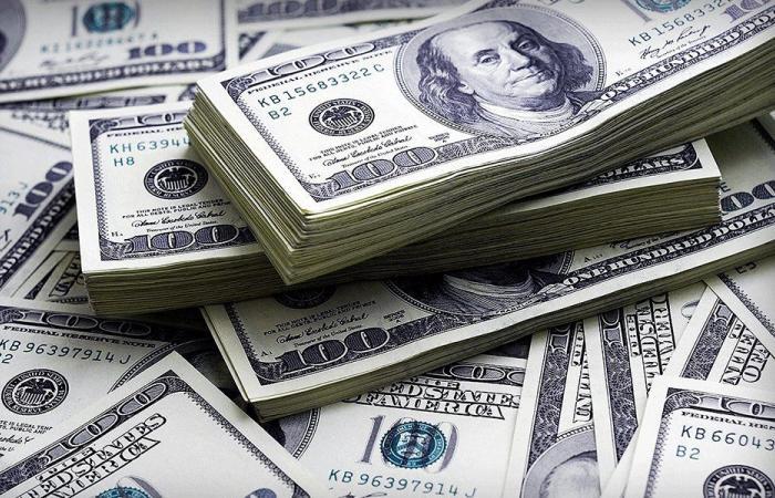 ابراهيم يستدعي نقيب الصرافين… هذا ما أدى الى ارتفاع الدولار!