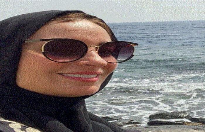 نرمين الفقى بالحجاب بعد انتهائها من مناسك العمرة