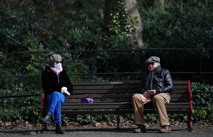 خبراء يخشون من إصابة كورونا لأكثر من 33 مليون بريطاني