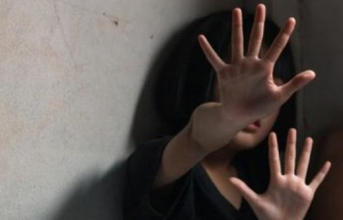 بالتفصيل...أب يغتصب ابنته 7 سنوات.. وهذا المصير الذي ينتظره
