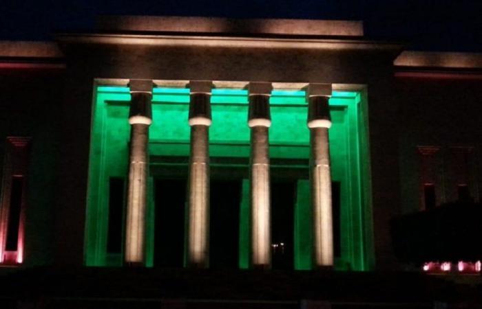 إضاءة المتحف الوطني بألوان العلم اللبناني