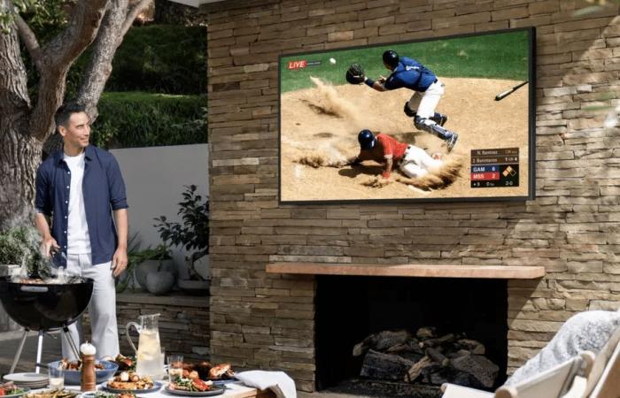 سامسونج تطلق تلفازًا جديدًا للعمل خارج المنزل