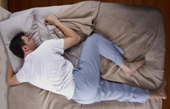 وضعية نوم يجب تجنبها لتفادي خطر الإصابة بألزهايمر