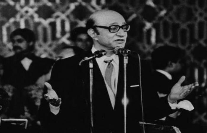محمد عبد الوهاب .. الزمن والعمل