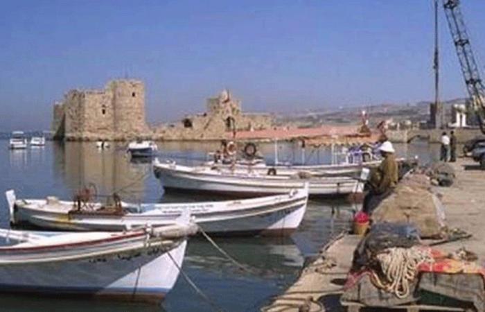 اخلاء الرصيف المحاذي لميناء الصيادين في صيدا