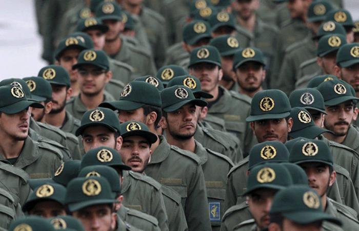 """""""الحرس الثوري"""" يهدد اللبنانيين!"""