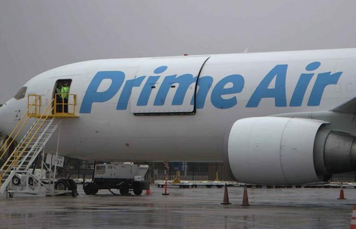 أمازون تضيف طائرات لمنافسة UPS و FedEx