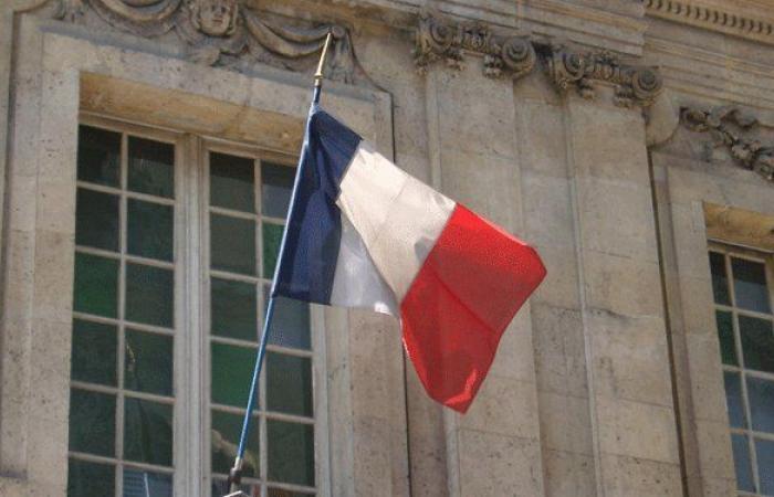 إصرار فرنسي على تحقيق خرق جدي في مسار التشكيل