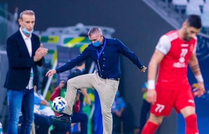 """كارتيرون.. ترك الكرة السعودية وعاد إليها بـ""""نتيجة ثقيلة"""""""