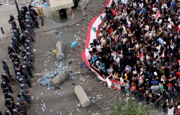 عام من ثورة 17 أكتوبر: تجديد أم مجرد ذكرى؟