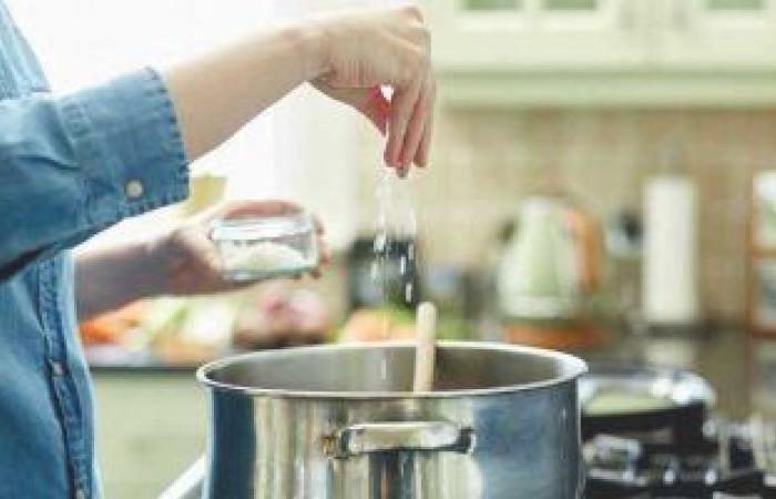 كيف يؤثر الإفراط فى تناول الملح على صحة القلب؟