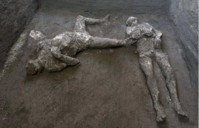بعد 20 قرنا.. التعرف على جثث رجلين في بومبي