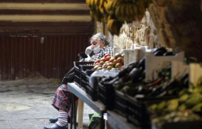 لبنان يعتمد بطاقة تموينية والجوع يهدد مئة ألف عائلة