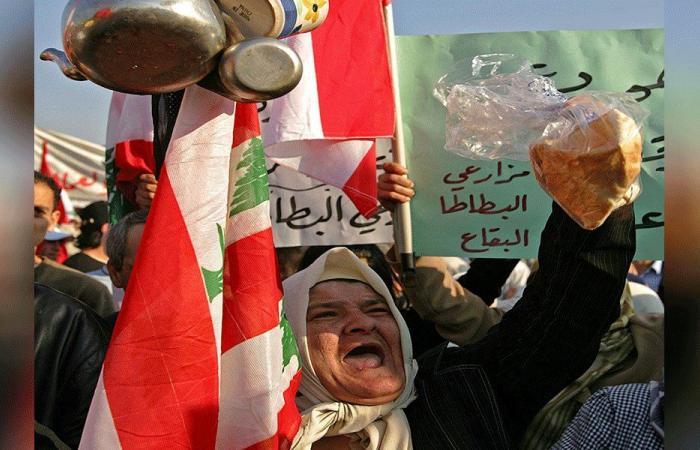 """لبنان يتهيّب """"تسونامي"""" اجتماعي وعضّ الأصابع يشتدّ سياسياً"""