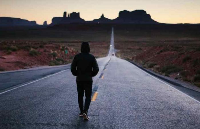 تشاجر مع زوجته فمشى 450 كيلومتراً حتى يهدأ
