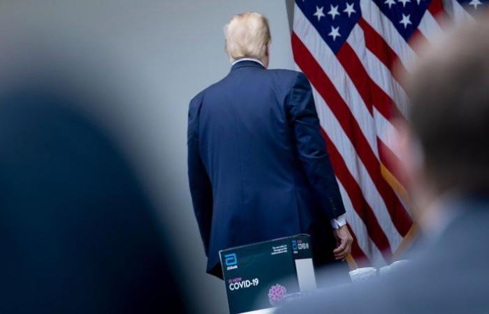 """ترمب غادر واشنطن ومعه """"الحقيبة النووية"""""""