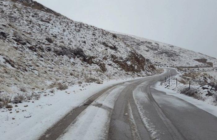 هذه الطرقات مقطوعة بسبب الثلوج