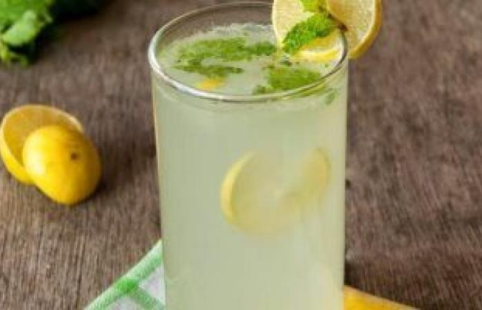 5 مشروبات صحية للحفاظ على صحة الكلى.. منها عصير الليمون وماء جوز الهند