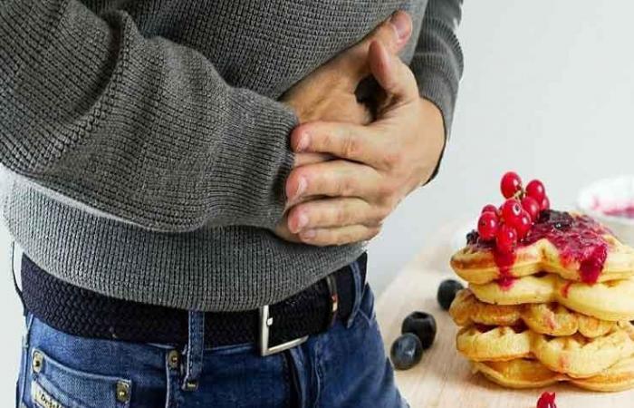 منها الصداع.. 7 أعراض تدل على إصابتك بالتسمم الغذائي