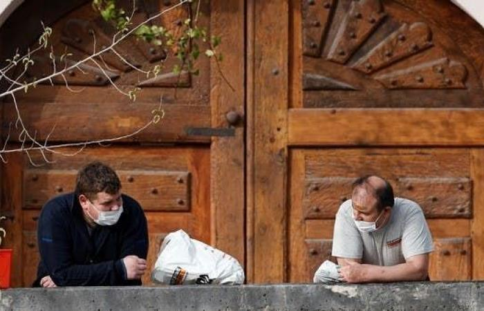 """""""وثائقي"""" فضحهم.. ملاحقة وزراء فرنسيين ارتادوا مطاعم سرية"""