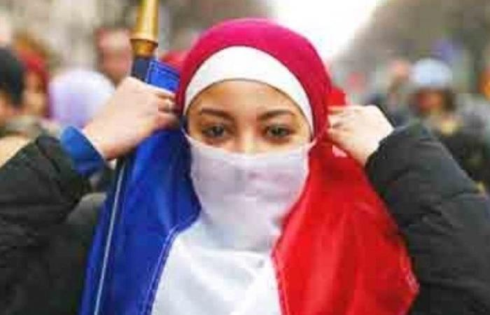 مجلس الشيوخ الفرنسي يحظر ارتداء الحجاب تحت سن 18عاما