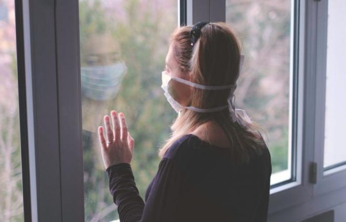 دراسة: 10% من المتعافين من كورونا يعانون من أعراض ممتدة بعد أشهر من الإصابة