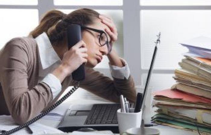 تناول الوجبات السريعة ليلا يؤثر على مستويات الطاقة ويزيد التوتر