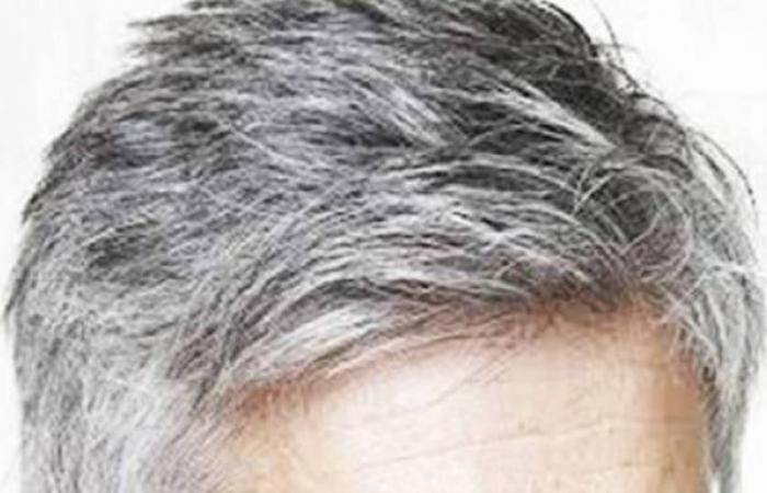 صبغا شعرهما بالأبيض لتلقي لقاحات كورونا في المكسيك