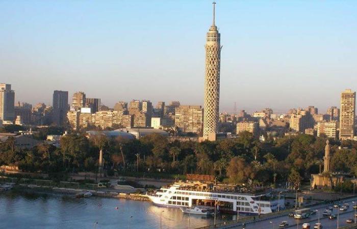 """تحذير للمصريين… """"لا تخففوا ملابسكم"""""""