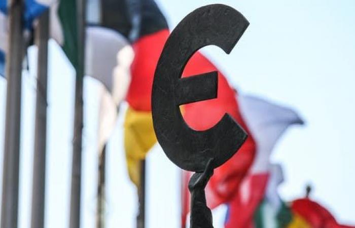 مبيعات التجزئة بمنطقة اليورو تفاجئ الأسواق.. كيف أتت؟