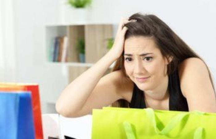 هل تستطيع العيش بدون التسوق؟.. علامات وطرق علاج اضطراب الشراء القهرى