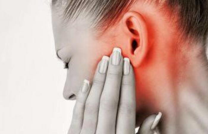 أعراض وأسباب الإصابة بالتهاب الأذن أثناء فترة الحمل