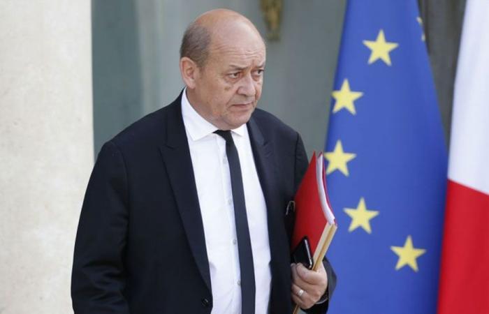 فرنسا ودخول لبنان مدارات روسيا