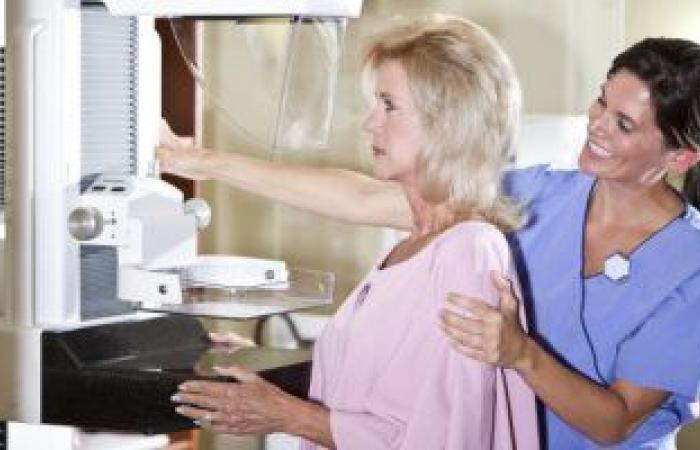 متى يجب عمل أشعة الماموجرام لتشخيص سرطان الثدى؟