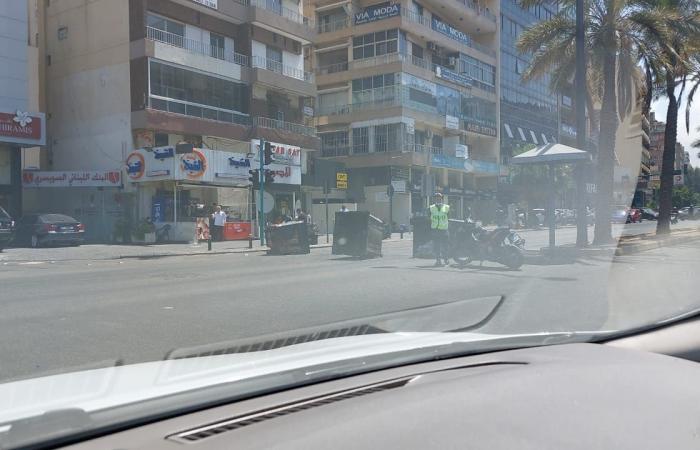 بالصور: قطع عدد من الطرقات في بيروت