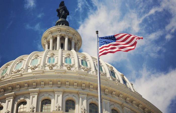 """قادة في الكونغرس: السياسيون اللبنانيون خضعوا لـ""""الحزب""""!"""