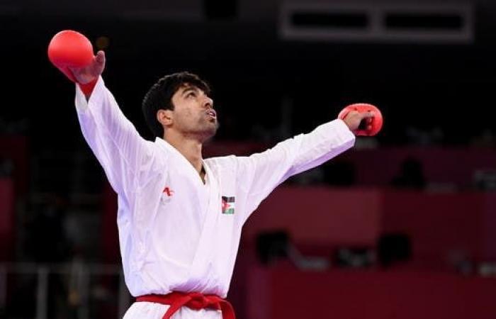 الأردني المصاطفة يضمن ميدالية بتأهله إلى نصف نهائي الكاراتيه 67 كلغ