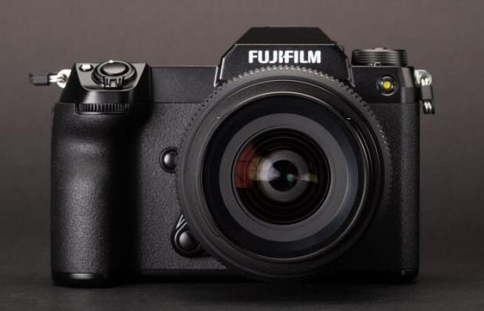 فوجي فيلم تعلن عن الكاميرا الجديدة GFX 50S II