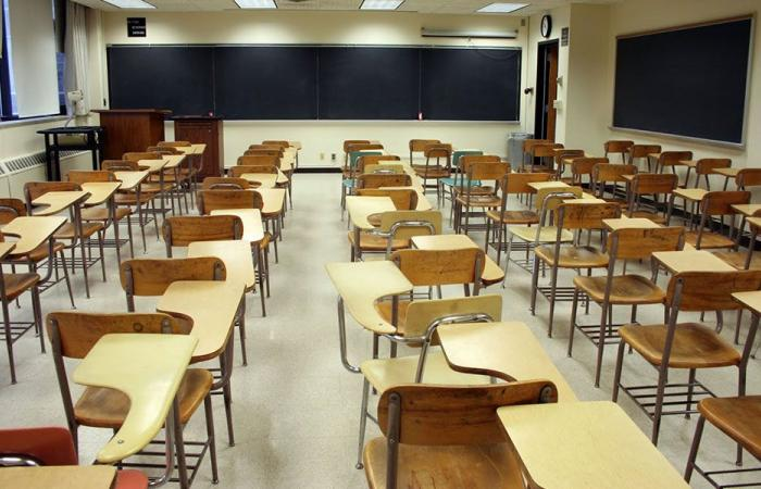 رابطة الاساسي: لا عودة إلى المدارس قبل تحقيق المطالب