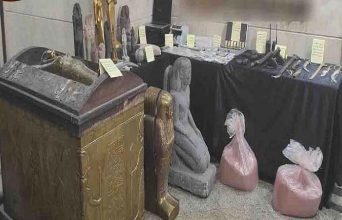 """القبض على عصابة """"نصب واحتيال"""" في مصر"""